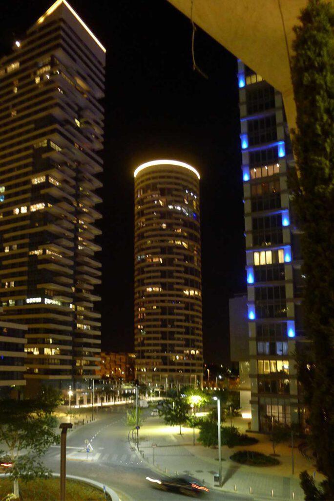 Futuristische Architektur in Tel Aviv